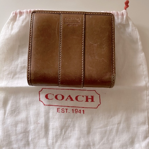 Coach Camel colour wallet